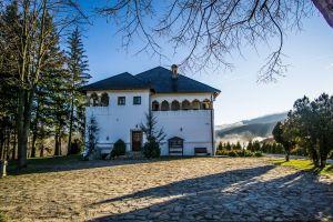 Day 8: Romanian Culture in Wallachia: UNESCO ceramics and kula