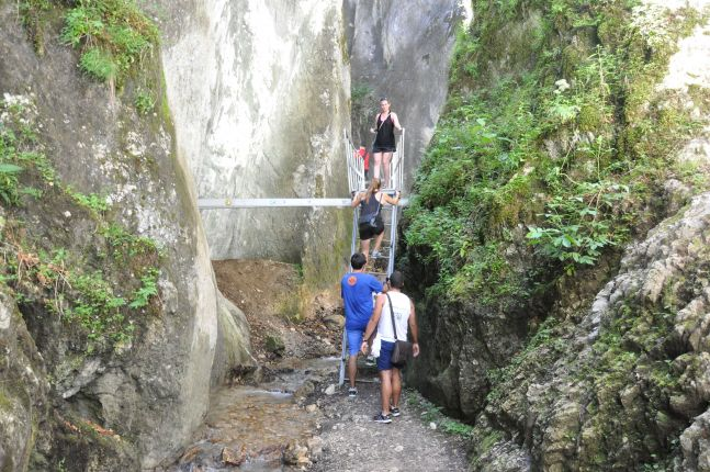 7 ladders gorge tour
