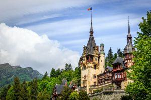 Sightseeing time: Brasov Old Town OR Peles Castle