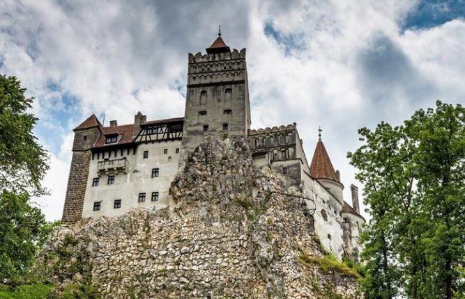 Bran and Peles Castle tour