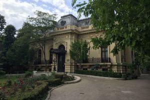 Dive into lesser known neighbourhoods of Bucharest
