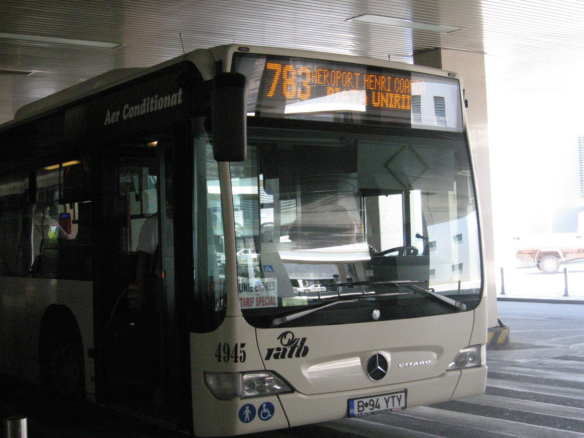 how to get to avalon airport by public transport