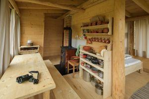 Our eco-friendly mountain cabin, your cozy home in the wilderness