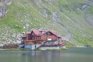 Accommodation at Balea Lake