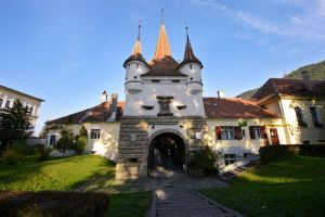 See the major attractions of Brasov for the classic shots