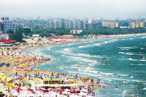 Free time by the beach: the beach resort of Mamaia