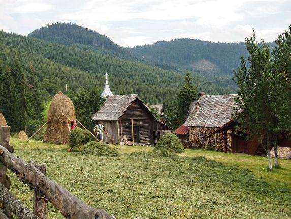 Hiking trip in Apuseni Carpathians