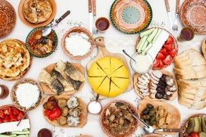 Traditional Romanian Food Guide: Cuisine, Dishes & Drinks