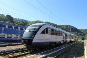 Travelling in Romania by train, buses, renting a car or internal flights